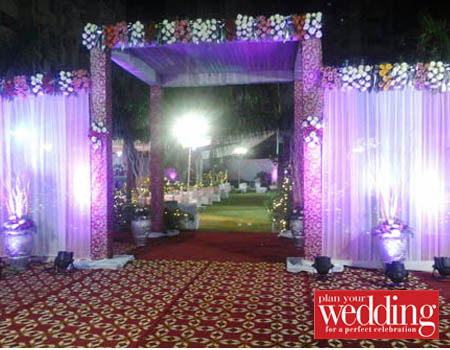 Deepali Caterers And Decorators, Caterers in Subhash Nagar